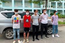 Lào Cai bắt giữ 2 xe chở 10 người Trung Quốc nhập cảnh trái phép