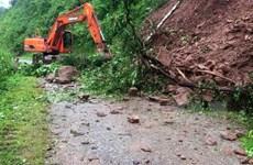 Nhiều tuyến đường ở Lai Châu bị sạt lở gây ách tắc cục bộ