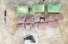 Bắt đối tượng mua bán trái phép khoảng 6.000 viên ma túy tổng hợp