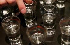 Hàng chục người Thổ Nhĩ Kỳ tử vong vì uống phải rượu lậu