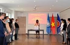 Phái đoàn Việt Nam tại Geneva quyên góp ủng hộ đồng bào miền Trung
