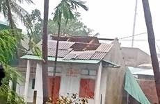 [Photo] Bão số 9 làm hàng nghìn ngôi nhà tại tỉnh Bình Định bị tốc mái