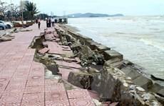 [Photo] Hệ thống kè biển tại thị xã Cửa Lò bị hư hỏng nghiêm trọng