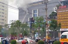 Cháy khách sạn 7 tầng ở Nghệ An, nhân viên và khách bỏ chạy tán loạn