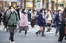 Số ca mắc mới COVID-19 tại Tokyo lần đầu tiên vượt 800 ca