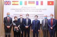 Việt Nam đoàn kết với quốc tế ứng phó đại dịch COVID-19