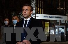 Tổng thống Pháp Emmanuel Macron bày tỏ đoàn kết với lực lượng cảnh sát