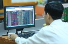 Cổ phiếu chứng khoán đồng loạt tăng khi thị trường đảo chiều giảm