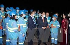 Bí thư Thành ủy Hà Nội thăm, chúc Tết công nhân vệ sinh môi trường