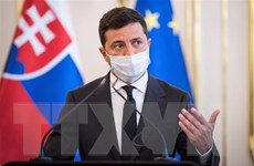 Tổng thống Ukraine ký sắc lệnh trừng phạt các quan chức Nga, Pháp