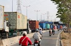 Ngày đầu thu phí BOT Xa lộ Hà Nội, giao thông ùn tắc giờ cao điểm