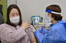 Hàn Quốc xem xét phương án hoán đổi vaccine ngừa COVID-19 với Mỹ