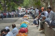 Chuyến hàng viện trợ y tế khẩn cấp đầu tiên của Anh tới Ấn Độ