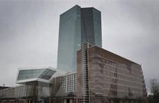 Gia tăng số ca mắc COVID-19, kinh tế châu Âu tiếp tục suy thoái