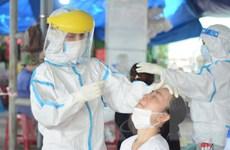 [Photo] Đà Nẵng xét nghiệm COVID-19 cho toàn bộ tiểu thương chợ Cẩm Lệ