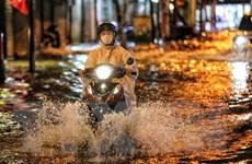 Chiều tối và đêm 13/5, các khu vực đều có mưa dông, gió giật mạnh