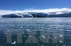 Một tảng băng lớn tách khỏi Nam Cực, trôi nổi trên biển Weddell