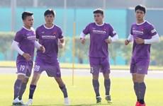 Hình ảnh đội tuyển Việt Nam lần đầu tiên tập vào sáng sớm