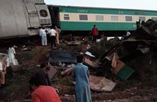 Pakistan: Hai đoàn tàu cao tốc đâm nhau, ít nhất 30 người thiệt mạng