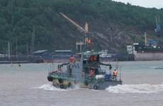 Thanh Hóa: Đưa ngư dân thứ hai bị trôi dạt trên biển vào bờ an toàn