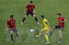Phung phí cơ hội, đội tuyển Tây Ban Nha chia điểm với Thụy Điển