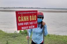 Hà Nội: Khẩn cấp xử lý sự cố sạt lở kè đảm bảo an toàn mùa mưa lũ
