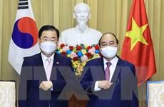 Chủ tịch nước Nguyễn Xuân Phúc tiếp Bộ trưởng Ngoại giao Hàn Quốc