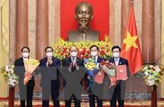 Chủ tịch nước trao Quyết định bổ nhiệm cho các thành viên Chính phủ