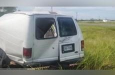 Mỹ: Xe tải chở công nhân lật nghiêng, ít nhất 10 người thiệt mạng