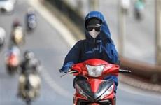 Bắc Bộ, Trung Bộ nắng nóng gay gắt, tia cực tím gây hại ở mức rất cao