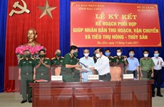 Quân khu 9 hỗ trợ Bạc Liêu thu hoạch, tiêu thụ nông, thủy sản