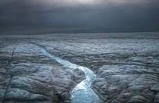 Lần đầu tiên xuất hiện mưa trên đỉnh dải băng Greenland