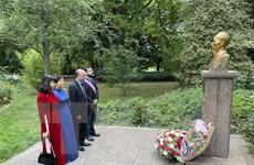 Tưởng nhớ Chủ tịch Hồ Chí Minh tại thành phố Montreuil của Pháp