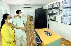 Lãnh đạo TP.HCM thăm, động viên y bác sỹ tăng cường chống dịch