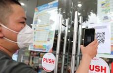 Hà Nội: Các cơ sở kinh doanh phải tạo điểm quét QR code khi mở lại