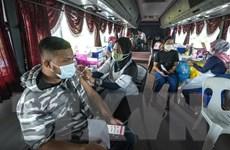 Malaysia sẽ tiêm mũi vaccine COVID-19 tăng cường cho người già