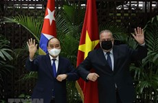 Chủ tịch nước Nguyễn Xuân Phúc hội kiến Thủ tướng Cuba