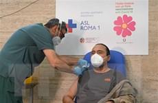Italy cho phép tiêm đồng thời cả vaccine phòng COVID-19 và cúm