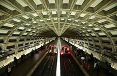 Mỹ: Tàu điện ngầm D.C tạm dừng một phần để điều tra vụ trật bánh