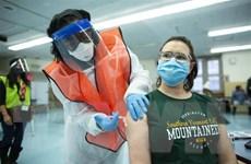 Mỹ cho phép tiêm kết hợp liều tăng cường vaccine phòng COVID-19