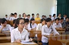 [Photo] Thí sinh căng thẳng ngày nhận phòng kỳ thi trung học quốc gia