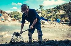 """[Photo] Công nhân ngành than """"căng mình"""" cứu mỏ Mông Dương"""