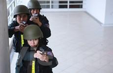 [Photo] Nữ đặc nhiệm xinh đẹp tham gia diễn tập chống khủng bố
