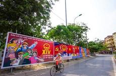 [Photo] Thủ đô rực rỡ trong sắc đỏ rộn ràng chờ đón ngày hội non sông