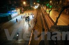 Gấp rút lắp giải phân cách ưu tiên cho xe buýt nhanh BRT trong đêm