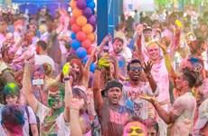 [Video] Đắm chìm trong lễ hội sắc màu của người Hindu tại Hà Nội