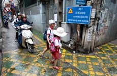 """Cận cảnh """"làn đường ưu tiên BRT trong ngõ"""" đầu tiên ở Hà Nội"""