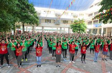 Học sinh mới ngất ngây với màn chào đón ở THPT Nguyễn Tất Thành