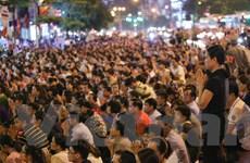 Hàng vạn người dân Hà Nội ngồi kín đường dự lễ Vu lan chùa Phúc Khánh