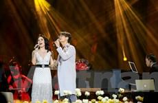 Hà Anh Tuấn song ca đầy ngọt ngào cùng Mỹ Tâm trong liveshow Romance